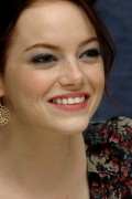 Emma Stone - 'Easy A' press conference in LA - August 29, 2010 (x15HQ)