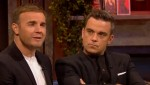 Gary et Robbie interview au Paul O Grady 07-10-2010 9849b5101823481