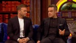 Gary et Robbie interview au Paul O Grady 07-10-2010 B9411e101824051