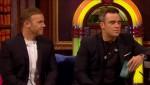 Gary et Robbie interview au Paul O Grady 07-10-2010 Edec73101825352