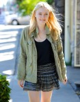 Dakota Fanning / Michael Sheen - Imagenes/Videos de Paparazzi / Estudio/ Eventos etc. - Página 2 5053bb105442598