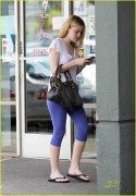 Dakota Fanning / Michael Sheen - Imagenes/Videos de Paparazzi / Estudio/ Eventos etc. - Página 2 F19bb1108696242