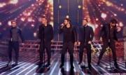 Take That au X Factor 12-12-2010 - Page 2 7d375d111005412