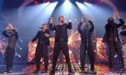 Take That au X Factor 12-12-2010 - Page 2 Cd3fdf111005923