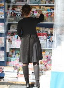 Jennifer Love Hewitt Shopping at a Studio City Newsstand April 8th HQ x 15