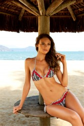 5e01cc171386171 Fabiana Semprebom   Despi SS2011 swimwear
