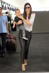 Миранда Керр, фото 3735. Miranda Kerr Sydney Airport arrival, february 28 / tagged, foto 3735,