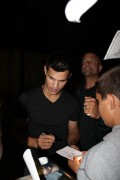 Taylor Lautner on the set of 'Abduction' 022b1498523217